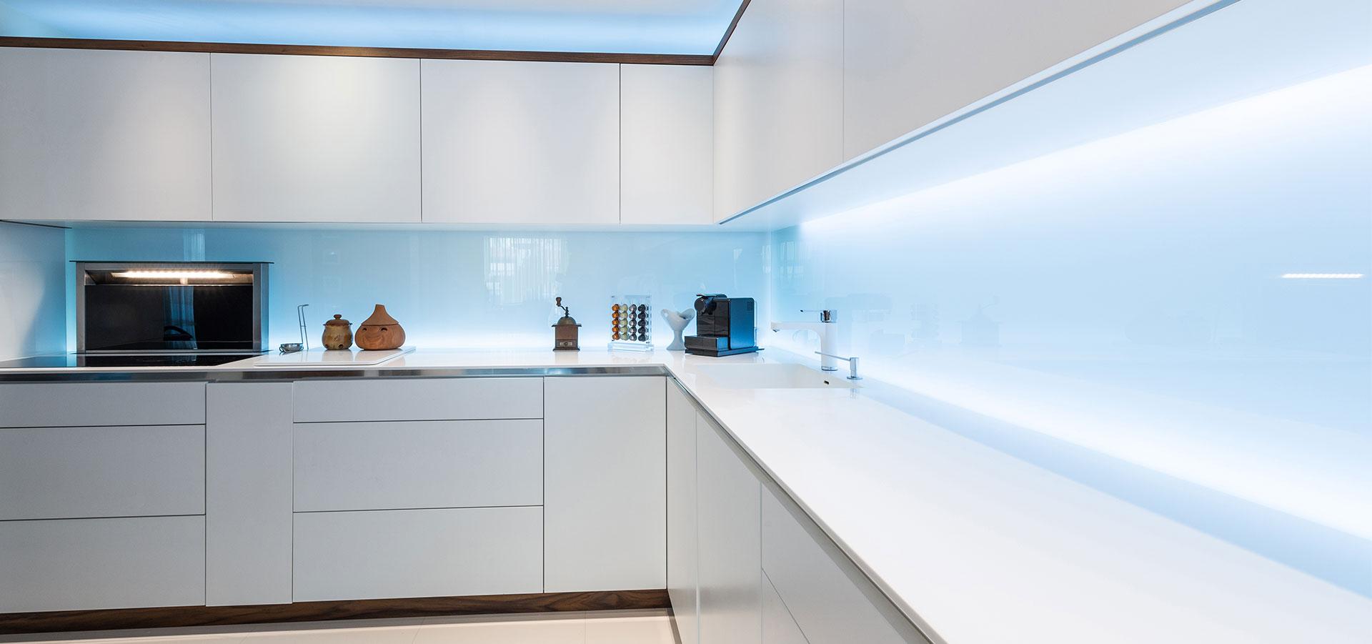 Inspirasjon til hjemmet: glassplate over kjøkkenbenk
