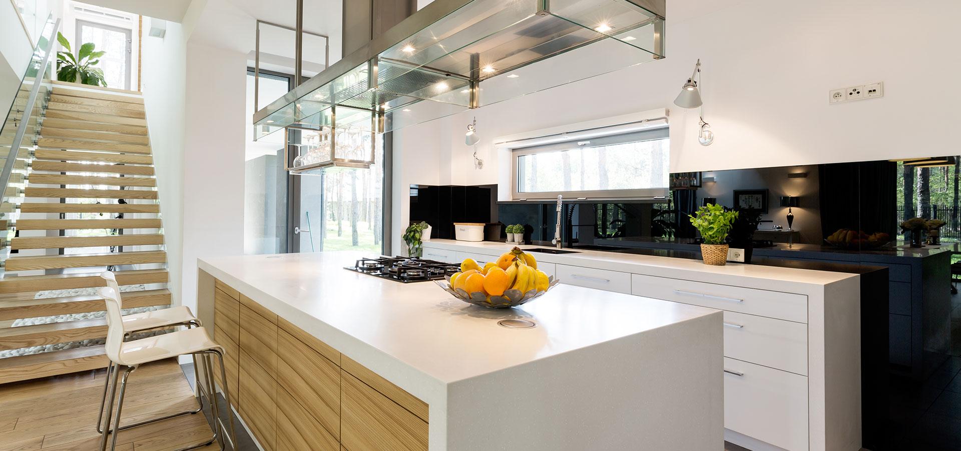 Kjøkkenvegg i glass – dette bør du vite